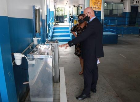 DPE-AM constata inadequações e falta de itens básicos em escolas do ensino infantil e fundamental