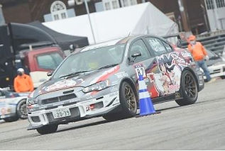 201108-car-iisaka_edited.jpg