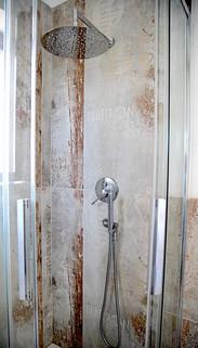 doccia interno.jpg