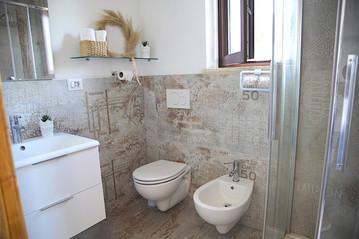 bagno con doccia.jpg