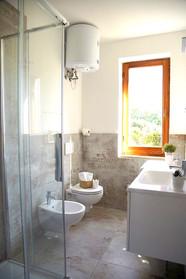 main bagno con docci.jpg