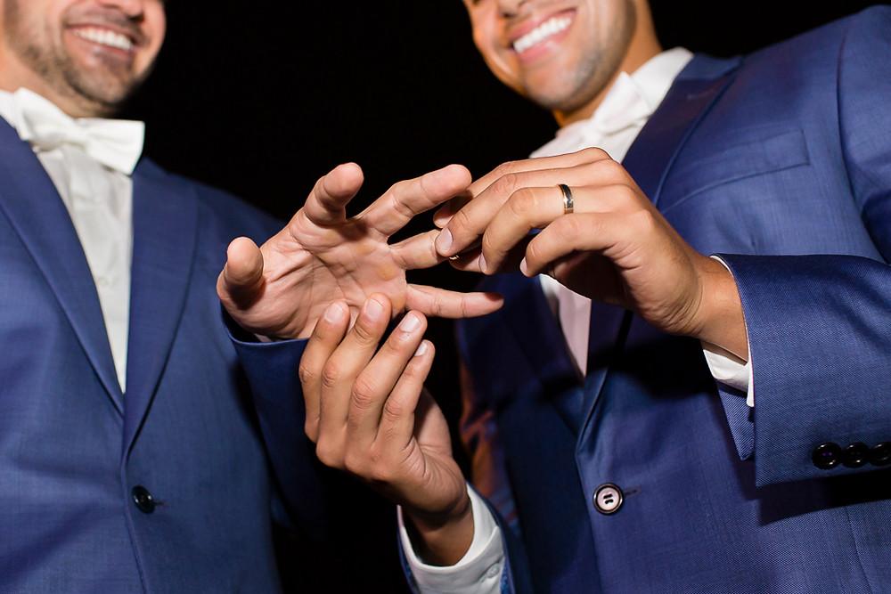 troca de alianças casamento lgbt
