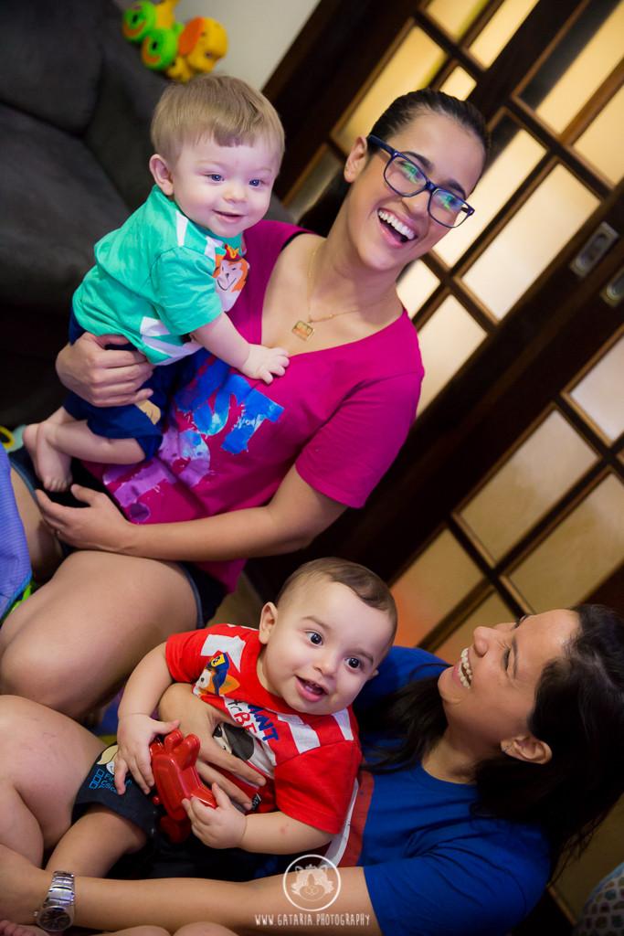 duas mamães e seus filhos