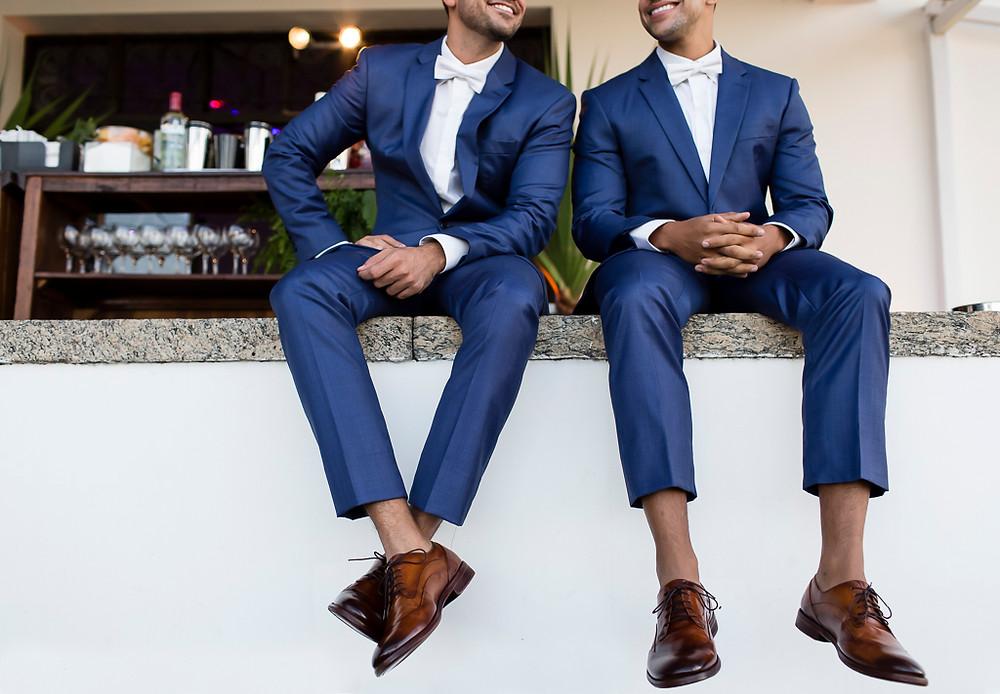 retrato dos noivos em casamento gay