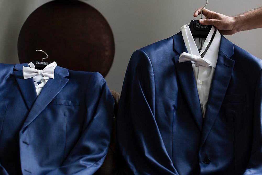 os ternos dos noivos LGBT