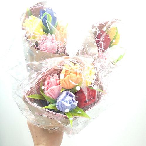 Ручной букетик тюльпанов из мыла в ассортименте