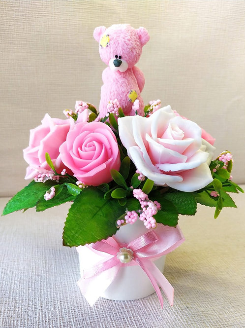 Букет роз с мишкой