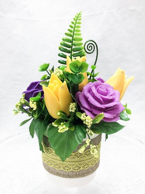 Ароматный букет роз с тюльпанами балеринами