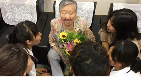 去る7月6日、金福童奨学金授与式の様子。