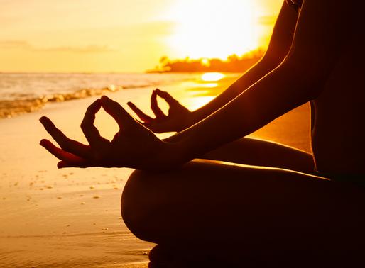 Conheça 10 princípios éticos do yoga para manter a serenidade durante uma crise