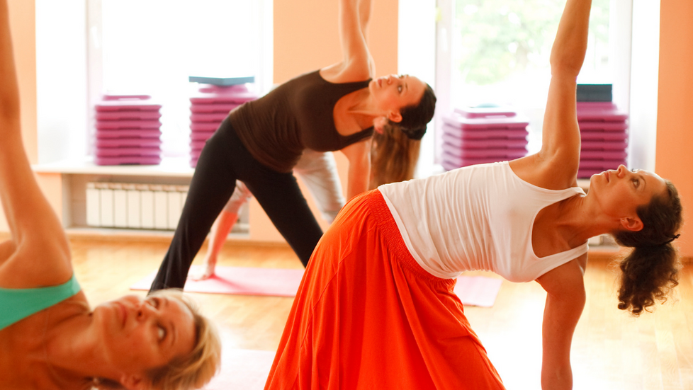 Alunas contam como um curso de yoga trouxe mudanças em suas vidas