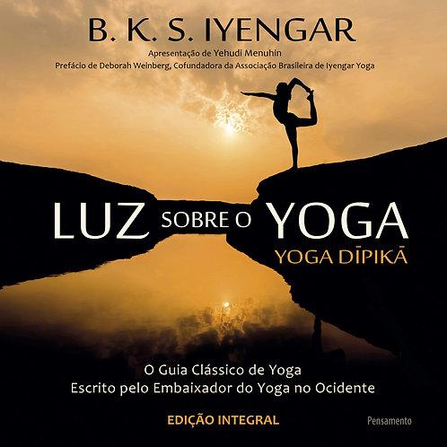 """Livro """"Luz sobre o Yoga"""" + Intensivo 7 dias de Yoga"""