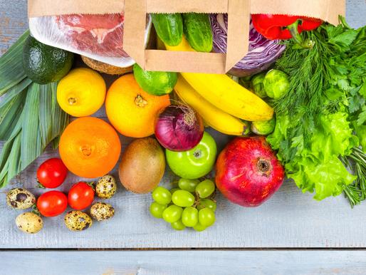 15 alimentos que não podem faltar no carrinho de compras