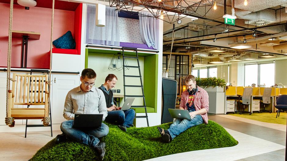 На что идут компании для того, чтобы нанять лучших IT-специалистов