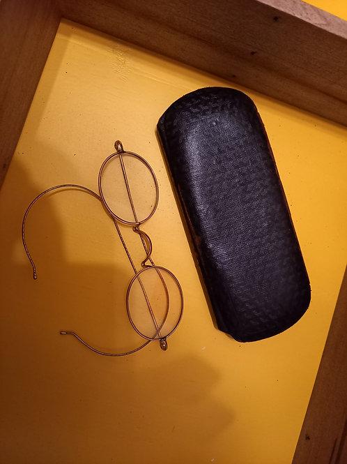 Vintage Metal  Reading Glasses