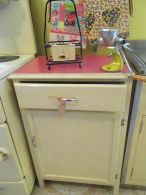 Kitchen ( Low) Cupboard - Red