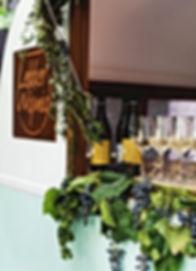 mobiele wijnbar-Bruiloft catering-trouwen catering-cateraar-VIC weddingcard