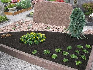 Friedhofsgaertnerei-Huber-Grabpflege_02.