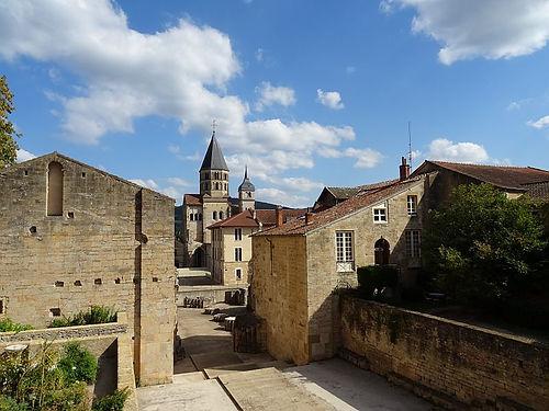 cluny-abbaye-de_cluny-saone-et-loire.jpg