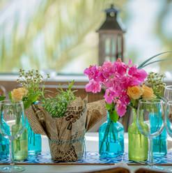 עיצוב בקבוקי בפרחים