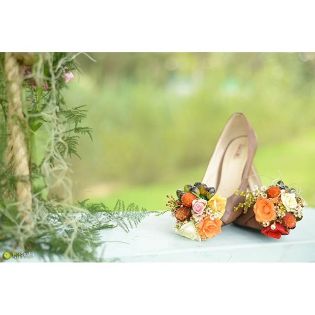 I love shoes! #shoe #shoes #flower #flowers #flowershoe #shoeflower #awesome #lovemyjob_#loveflowers