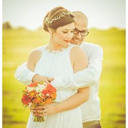 gerbera wedding bouquets & small gypsophila headband #wedding #weddings #gerbera #gerberawedding #we
