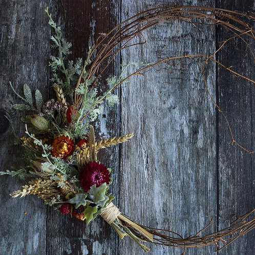 Everlasting floral autumn hedgerow wreath