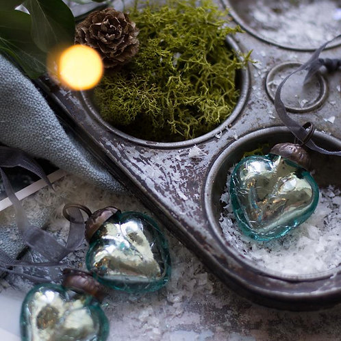 Mint Crackle Heart Bauble