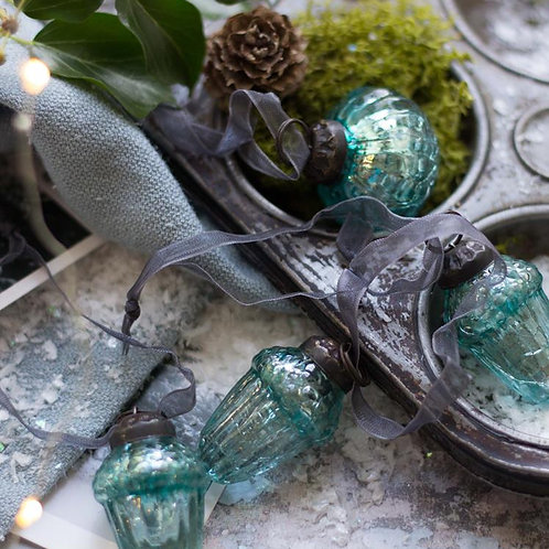 Mint Crackle Glass Acorn