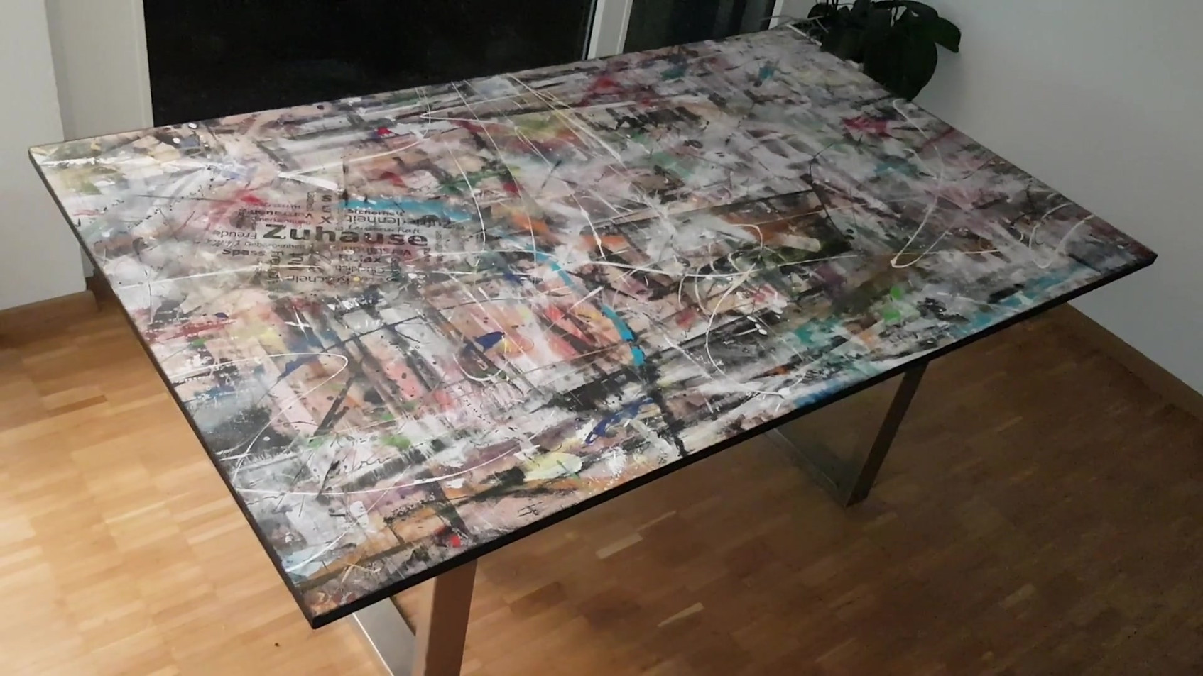 #70 Zuhause Tisch
