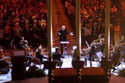 con i l'orchestra de I Virtuosi dell'Accademia di San Giovanni