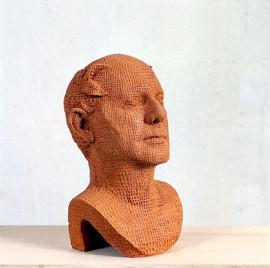 Busto di Luigi Mainolfi