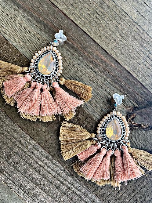 Bertha Statement earrings in beige/coral