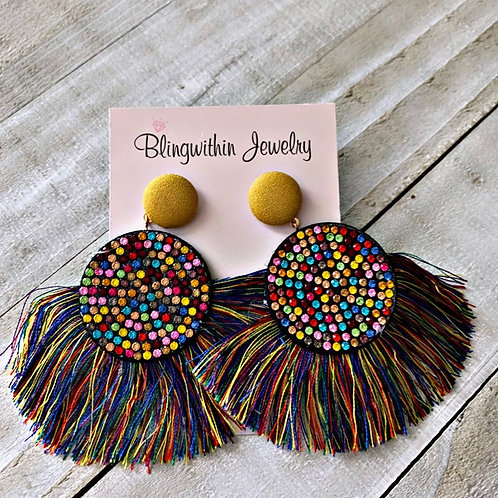 Sparkles and tassels in multicolor