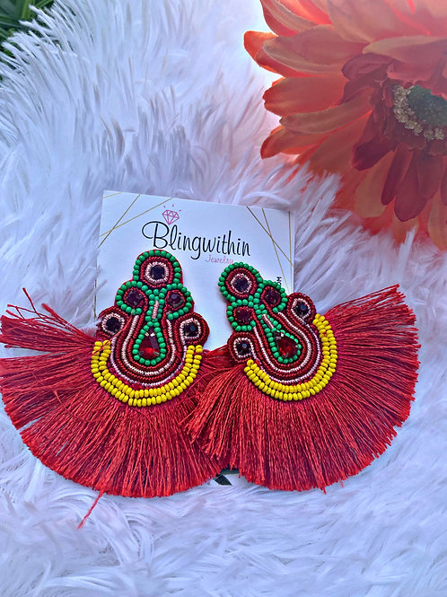 Lisa beads and tassels in Red