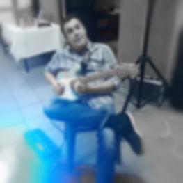 Mister Rey en concert avec Rue Bixkub