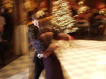 waltz-1183528-1920x1440.jpg