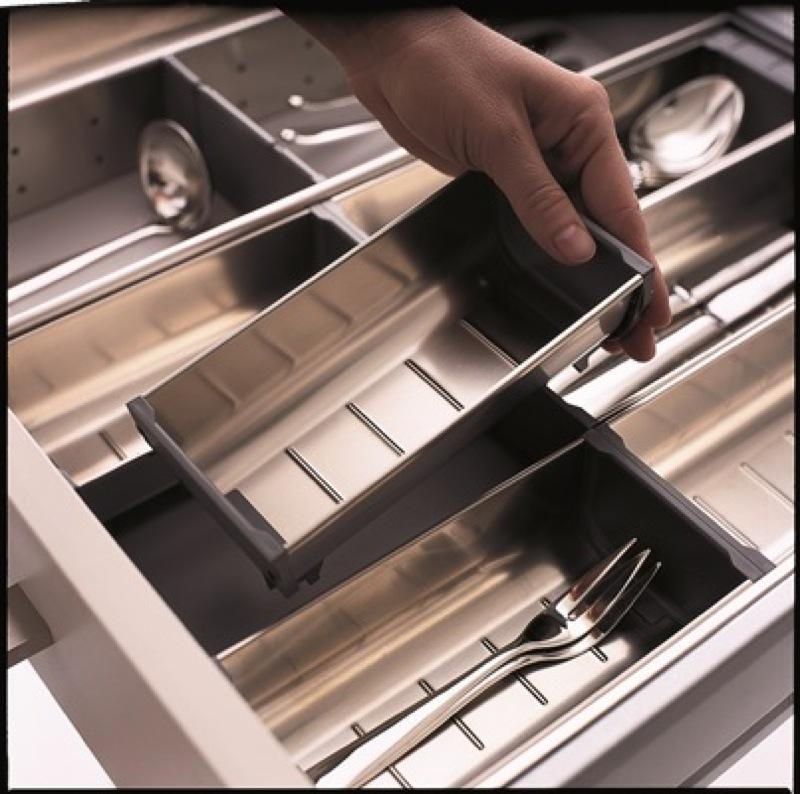 Rangement intrieur cuisine protection aluminium sousvier for Rangement interieur tiroir cuisine