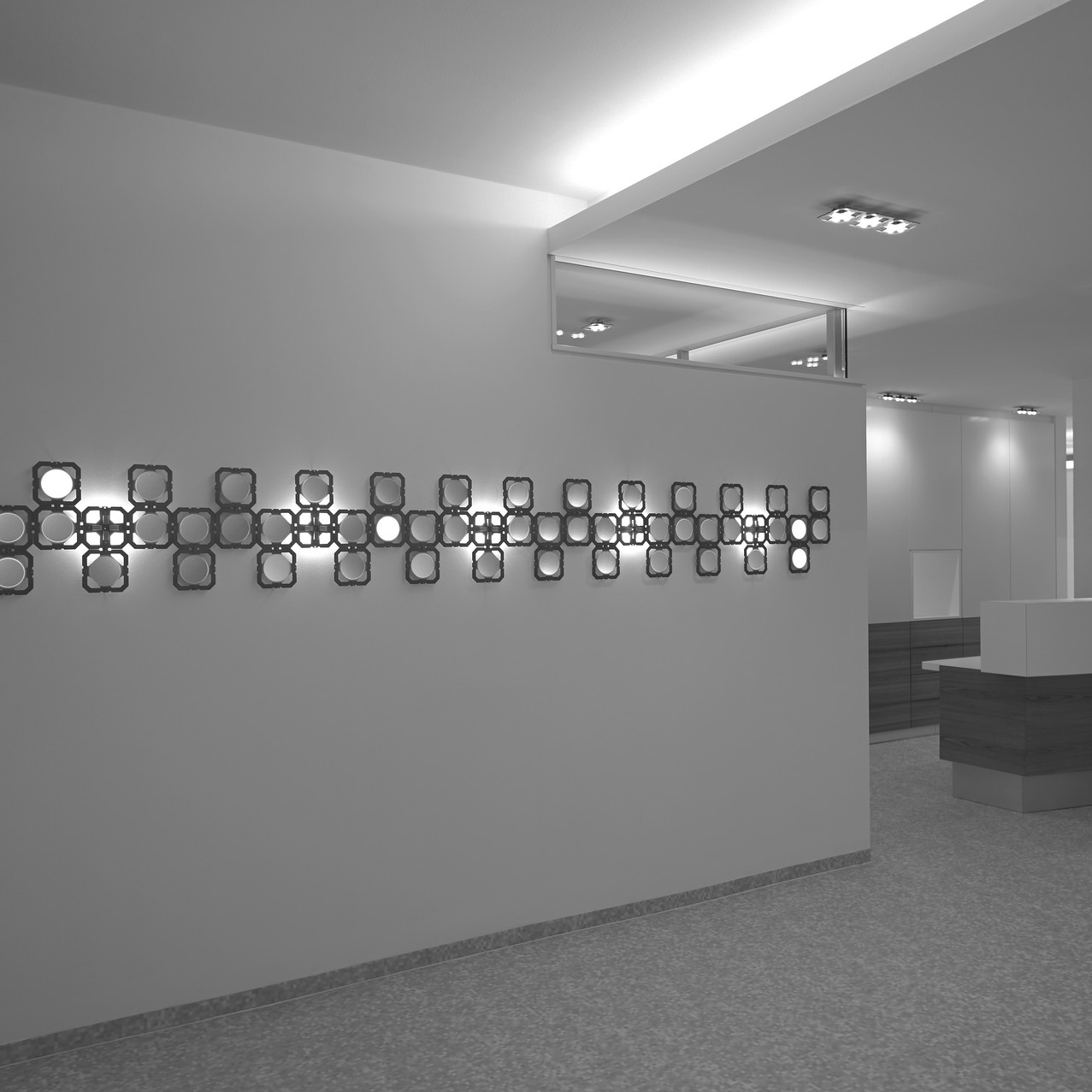LED_OLED_Installation_Foto_Andreas_Reitersw3Stückan