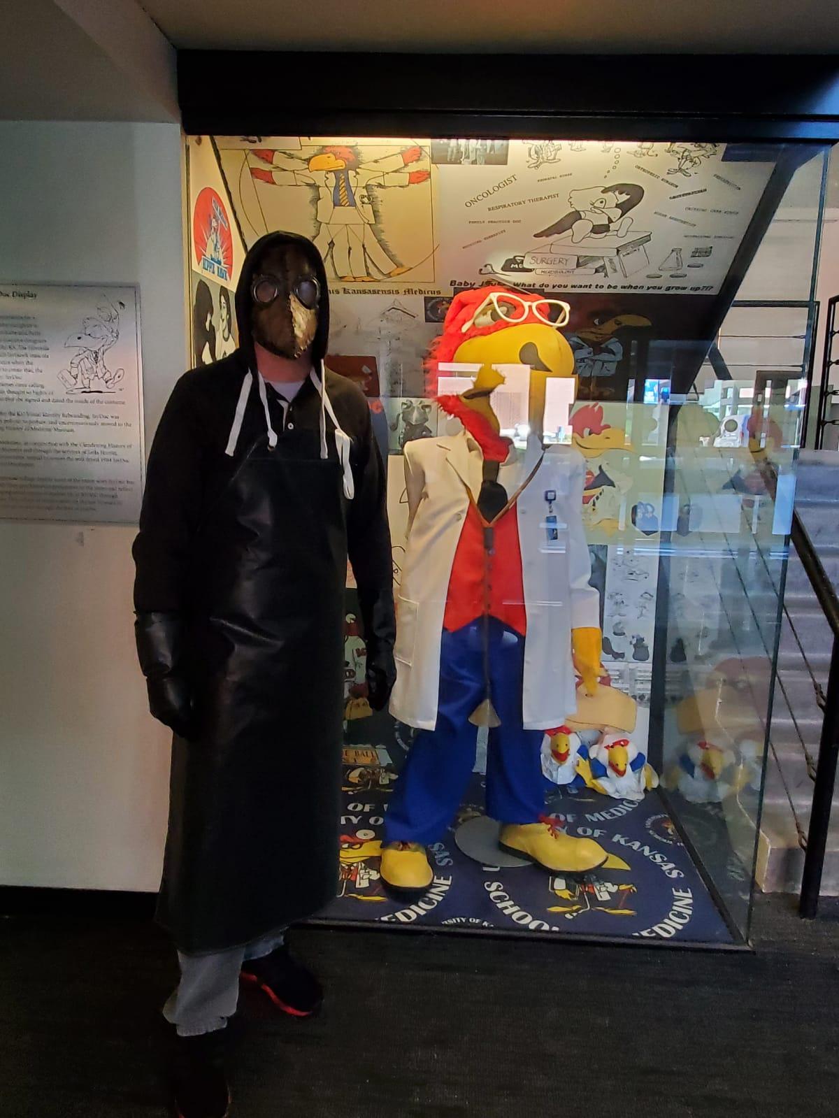 Bret Costume