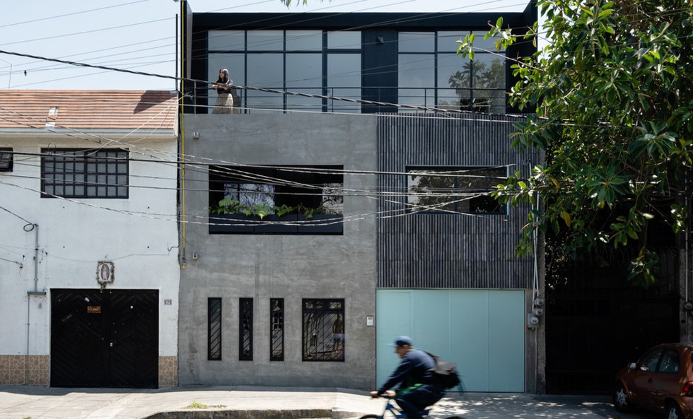 Oriente 430 Building