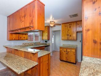 003_Kitchen.jpg