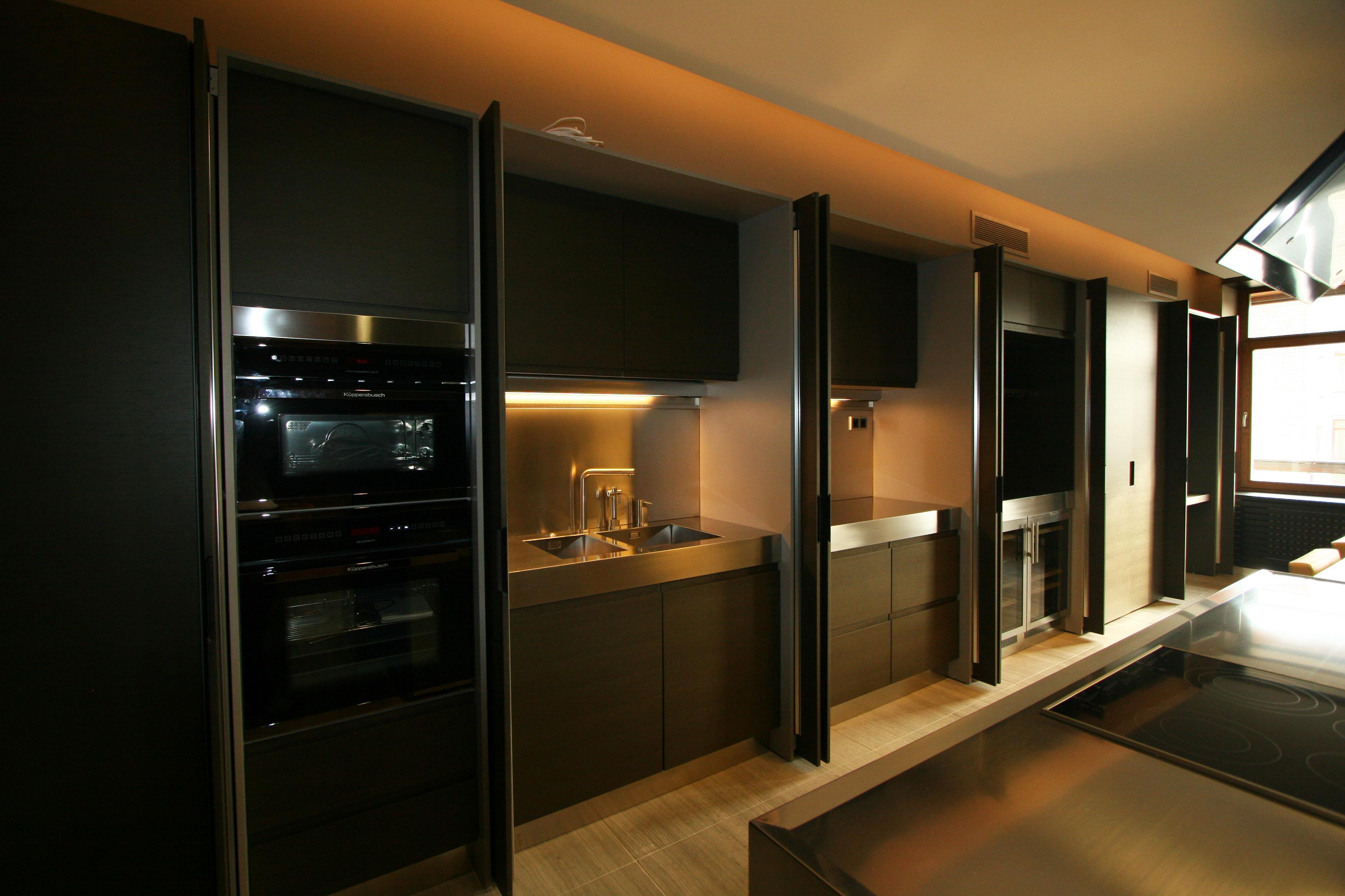 Кухня за раздвижными дверками