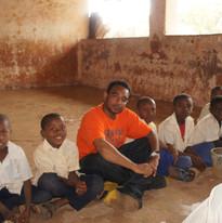 2014 kizimkazi volunteering 5.jpg