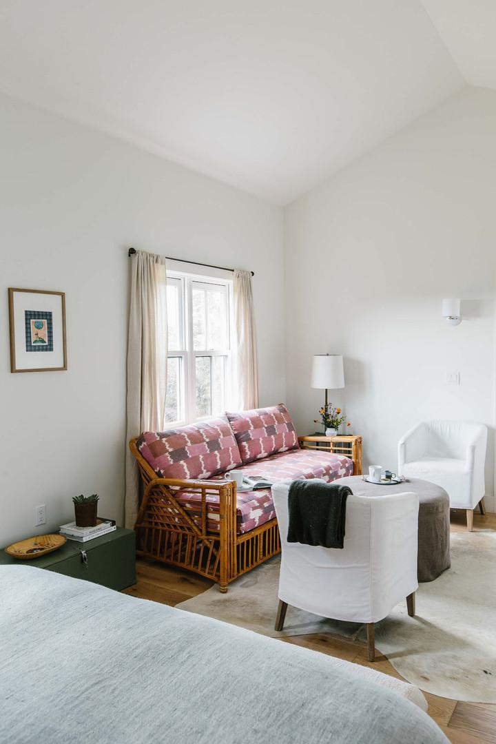Cottage Five Living Room Overview 2.jpg