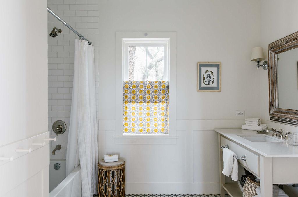 Cottage Five Bathroom.jpg