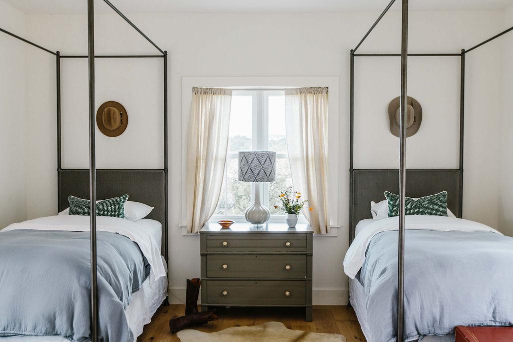 Cottage 6 Twin Bedroom.jpg