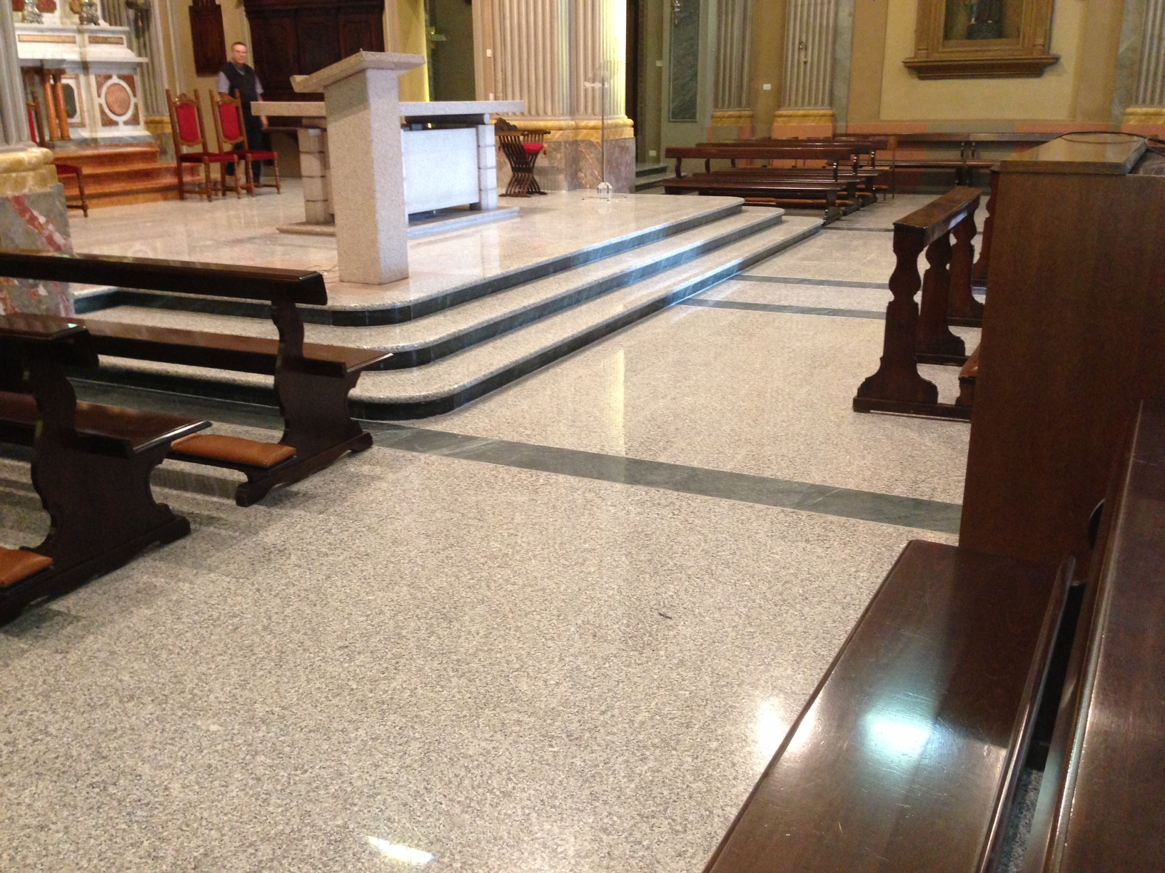 Pavimento chiesa in marmo