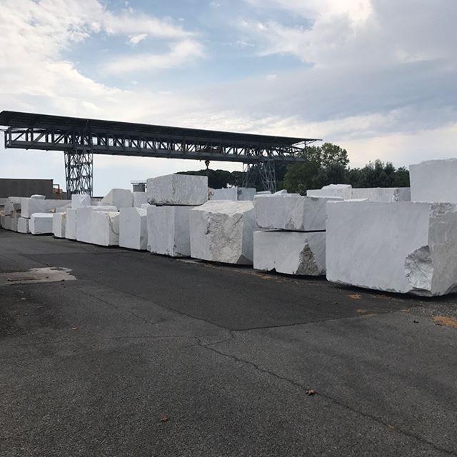 Deposito blocchi stupendo Bianco Carrara