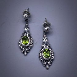 McMillan20_02-earrings